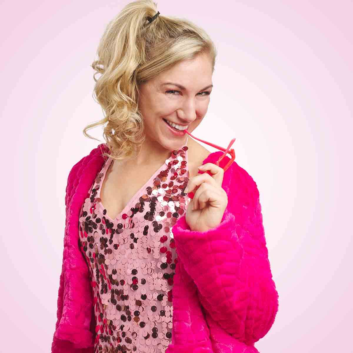 Character portrait of Amanda Casale as Elle Woods
